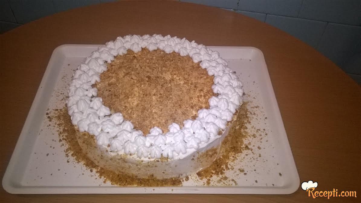 Rođendanska snikers torta
