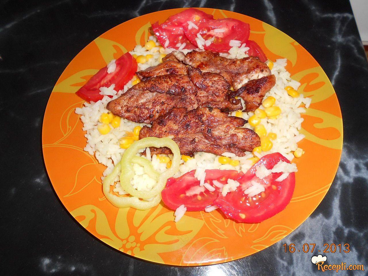 Pileće belo meso u marinadi