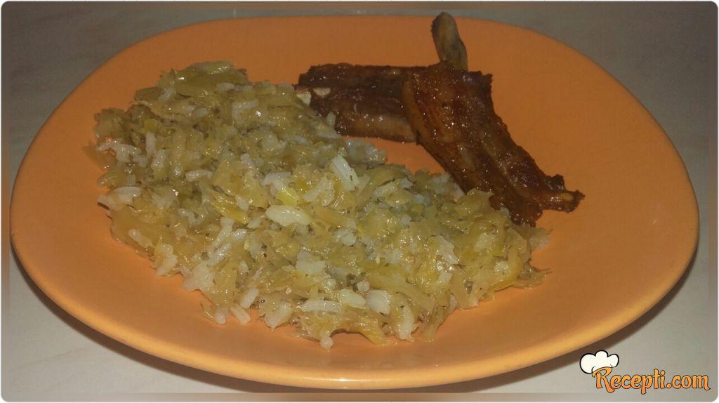 Prženi kiseli kupus sa pirinčem