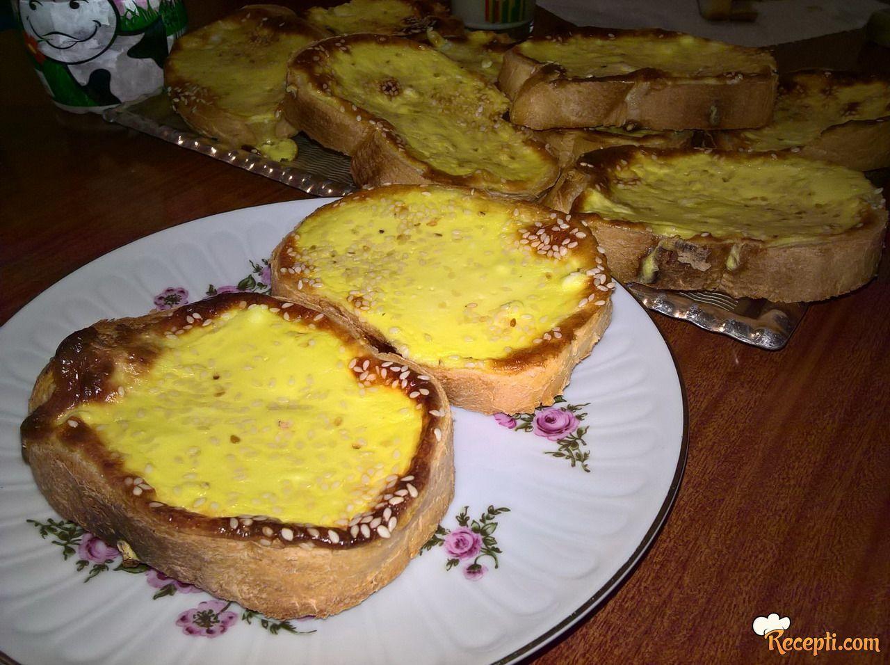 Zapečeni hleb sa sirom