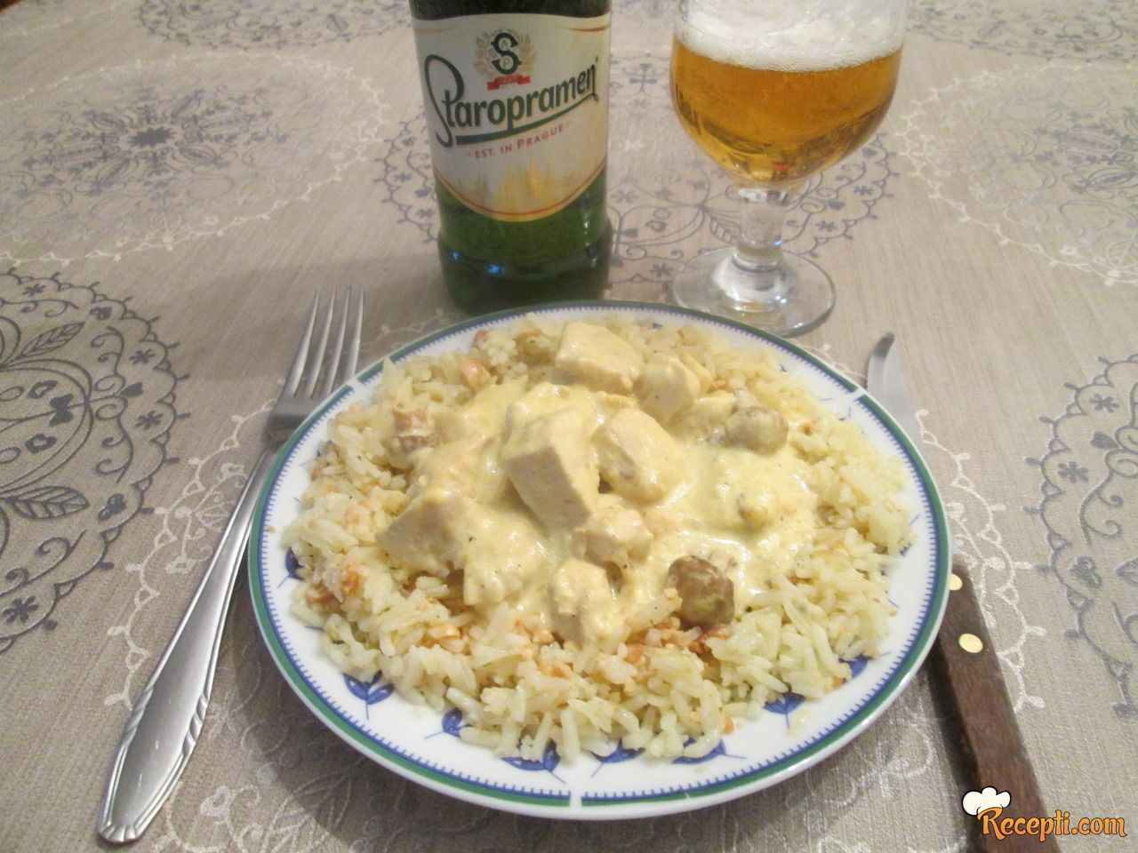 Piletina u kari sosu (5)