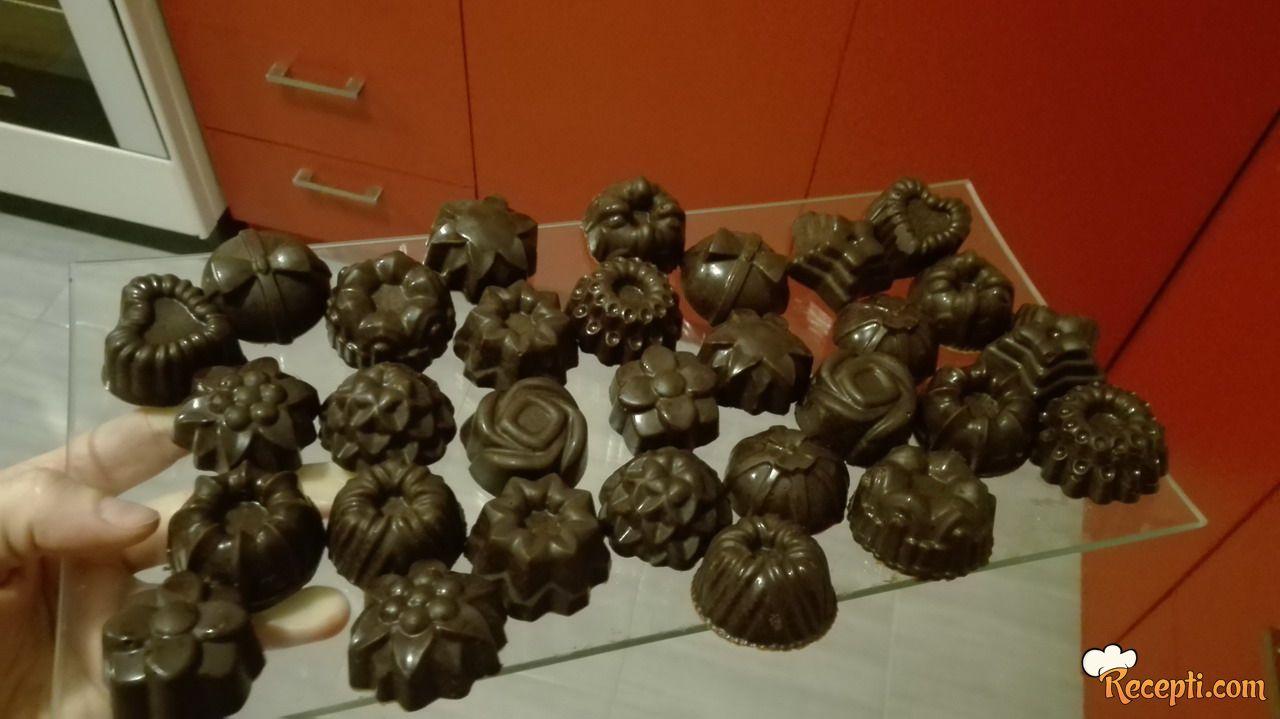 Čokoladni kolačići u kalupu