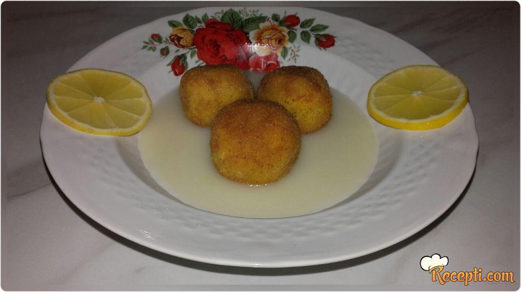 Kuglice od pirinča u sosu