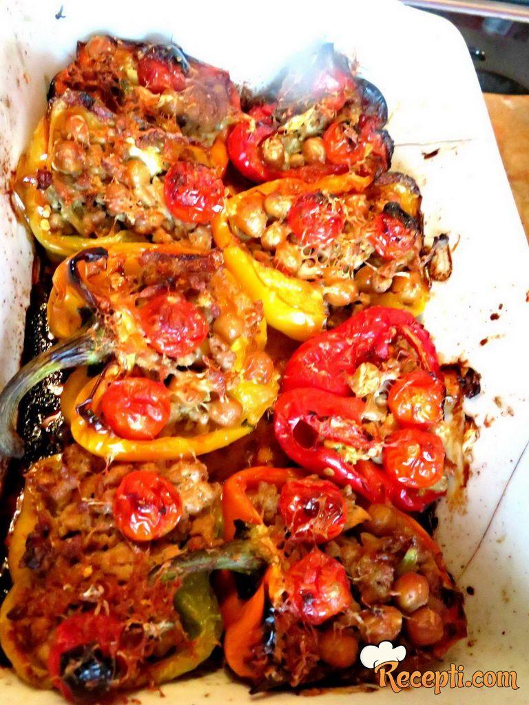 Pečene paprike, punjene leblebijom