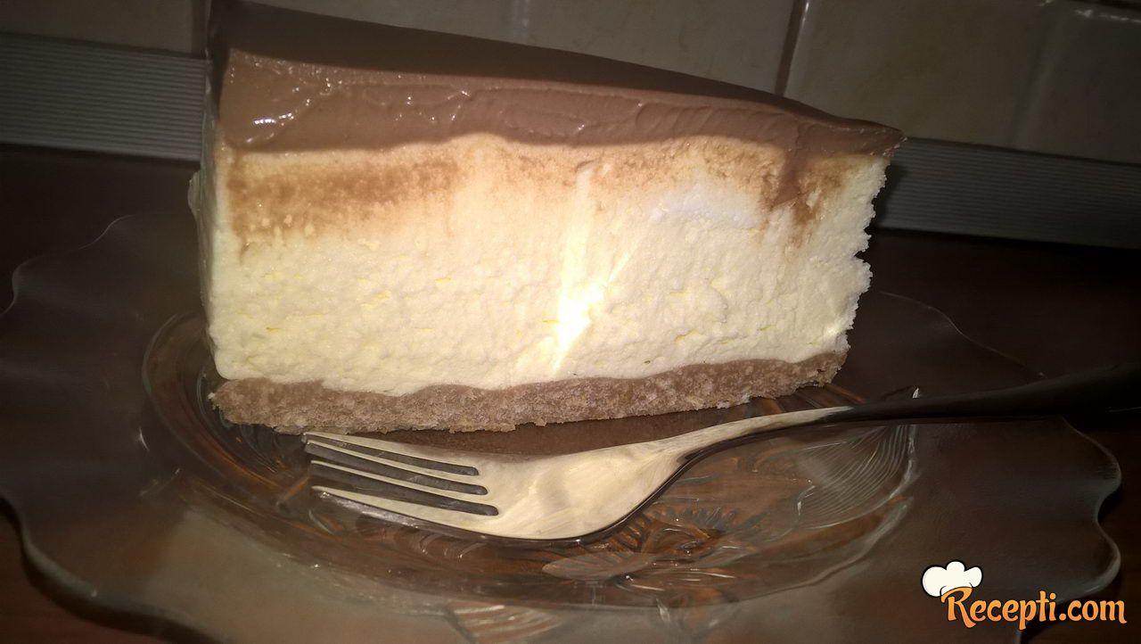 Bela čokoladna tortica