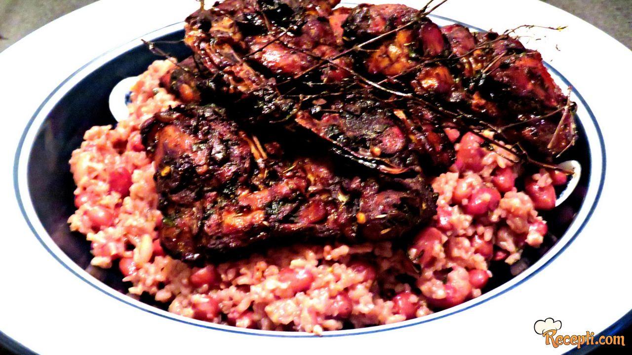 Jamajka piletina, pirinač i pasulj