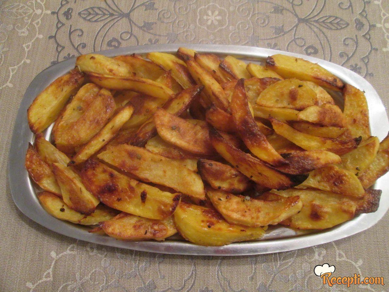 Pečeni krompir sa začinima