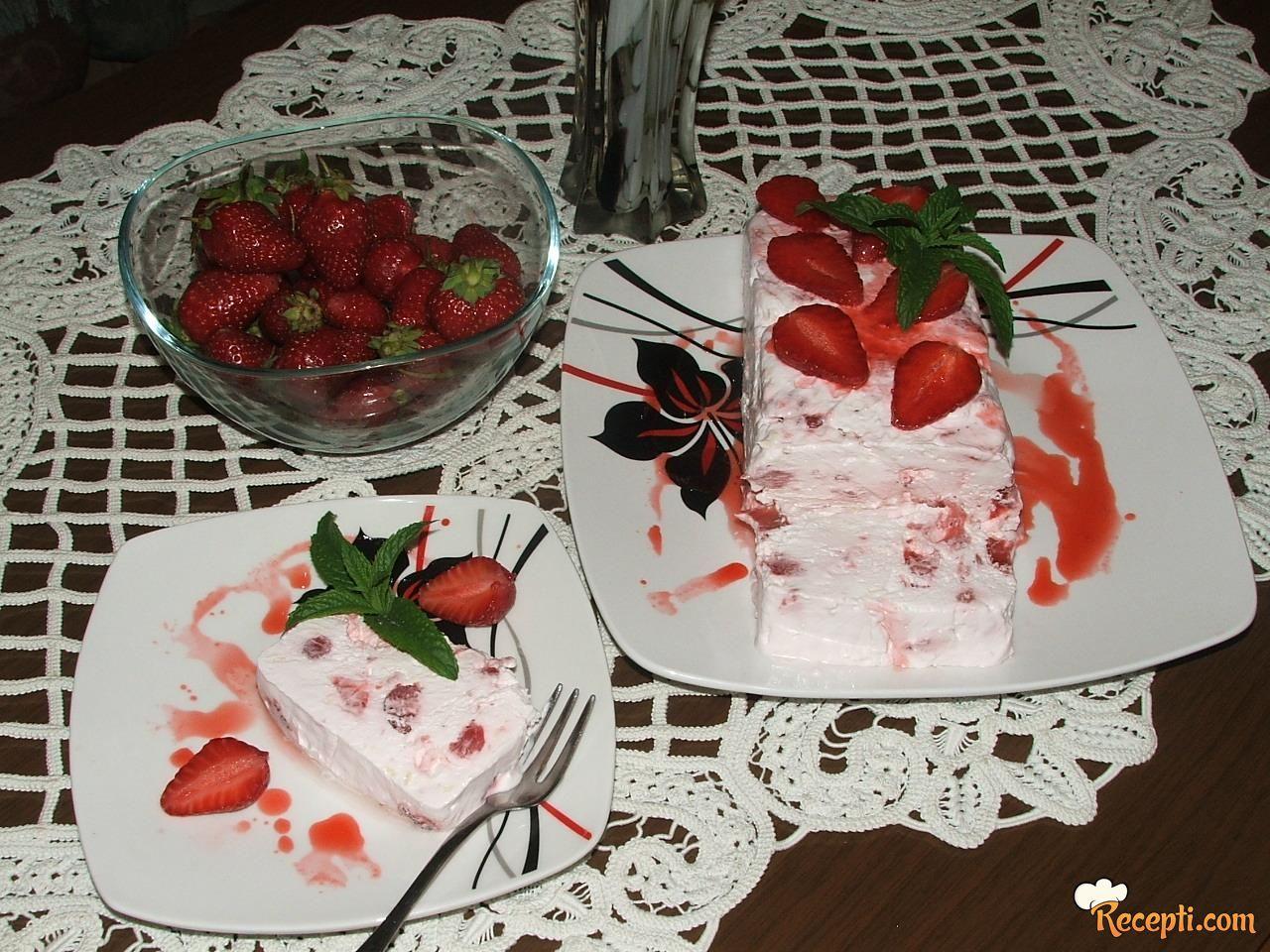Semifredo s jagodama