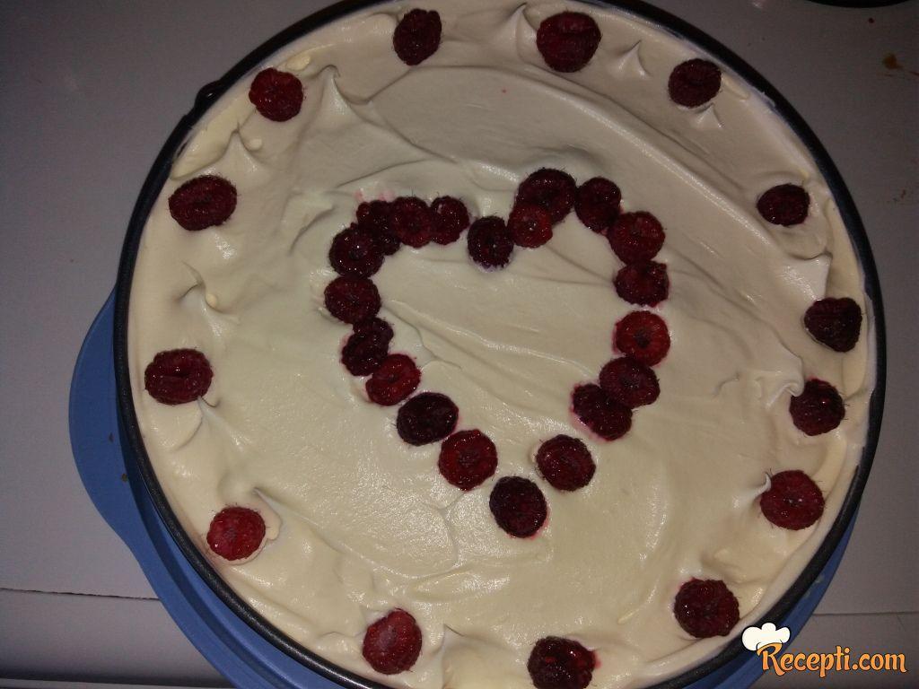 Torta sa malinama i bijelom cokoladom