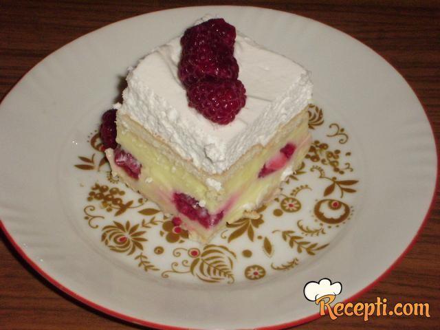 Kolač - vanila, maline, keks