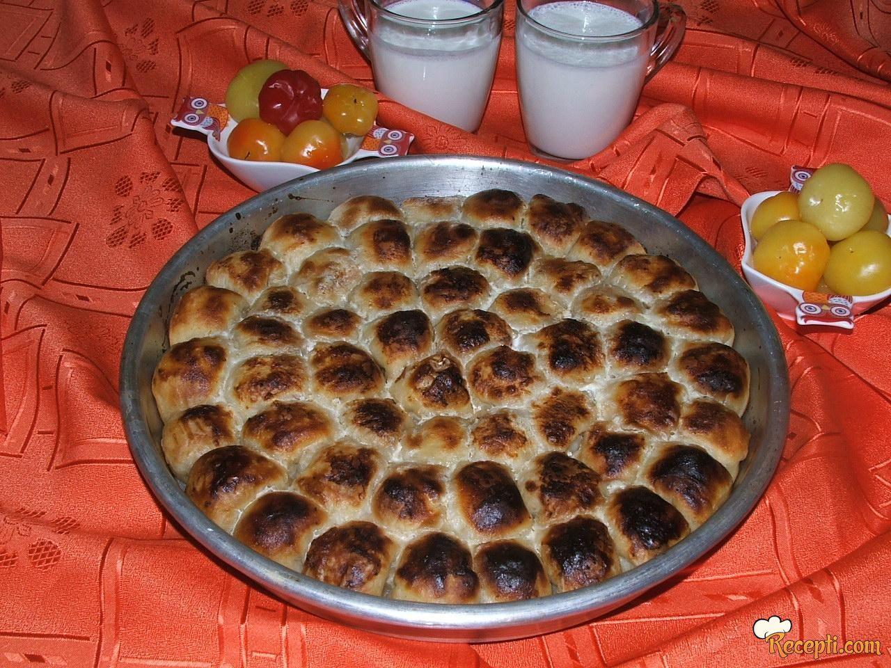 Mantije sa feta sirom