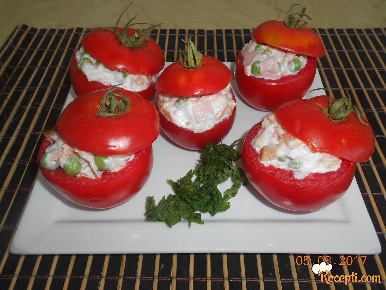 Hladna salata u paradajzu