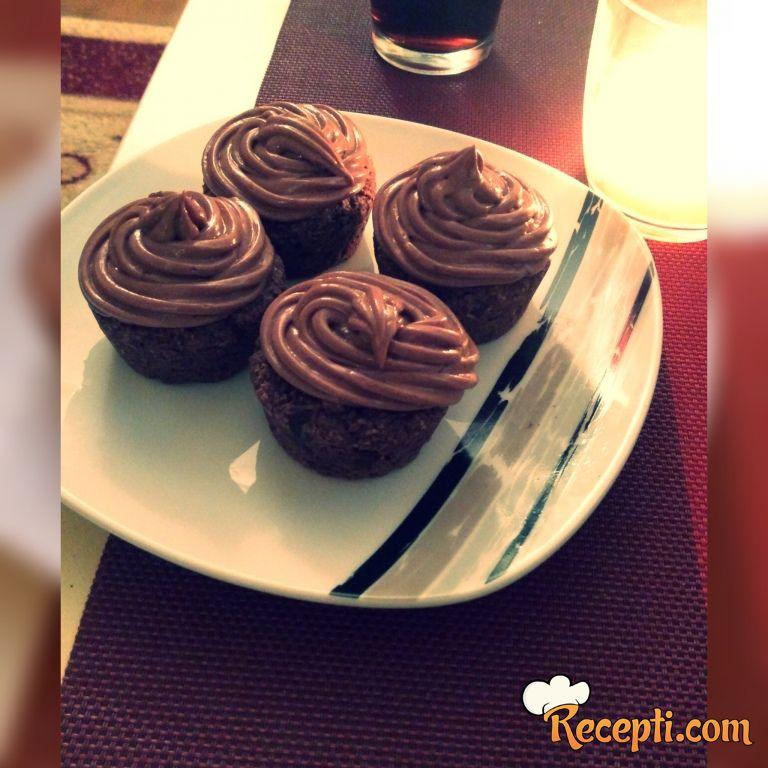 Muffini sa kokosom i čokoladnim filom
