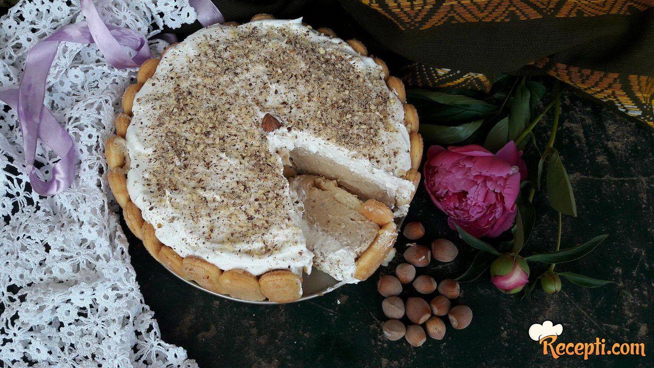 Piškota torta sa pudingom od lešnika