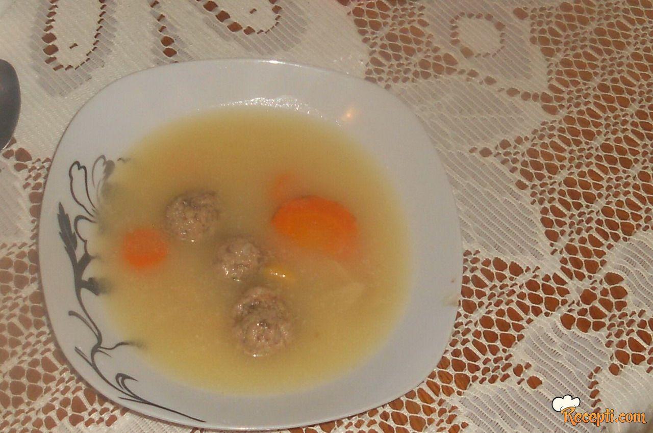 Domaća supa sa džiger- knedlama