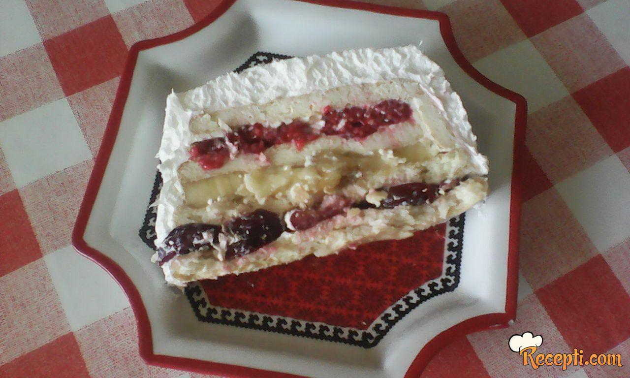 Kolač-torta sa voćem