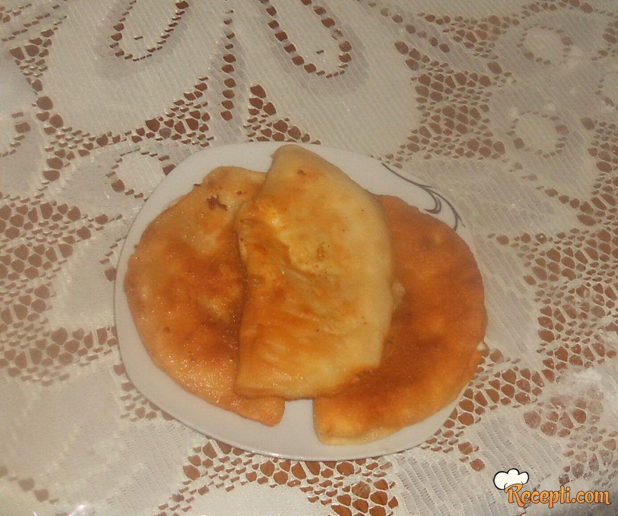 Lepinje sa sirom (2)