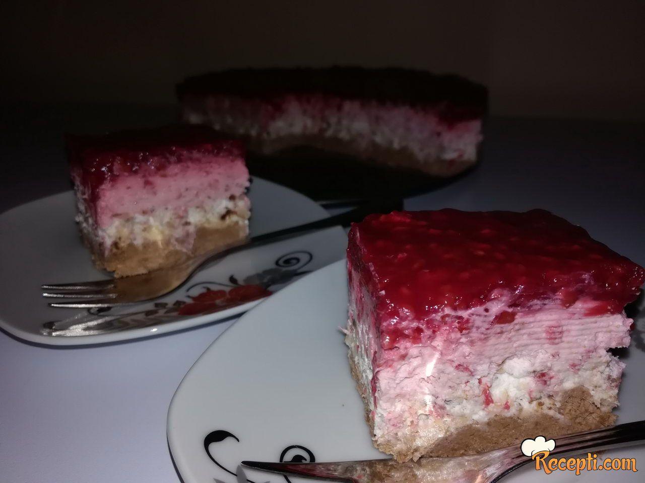Malina kolač sa plazmom i napolitankama