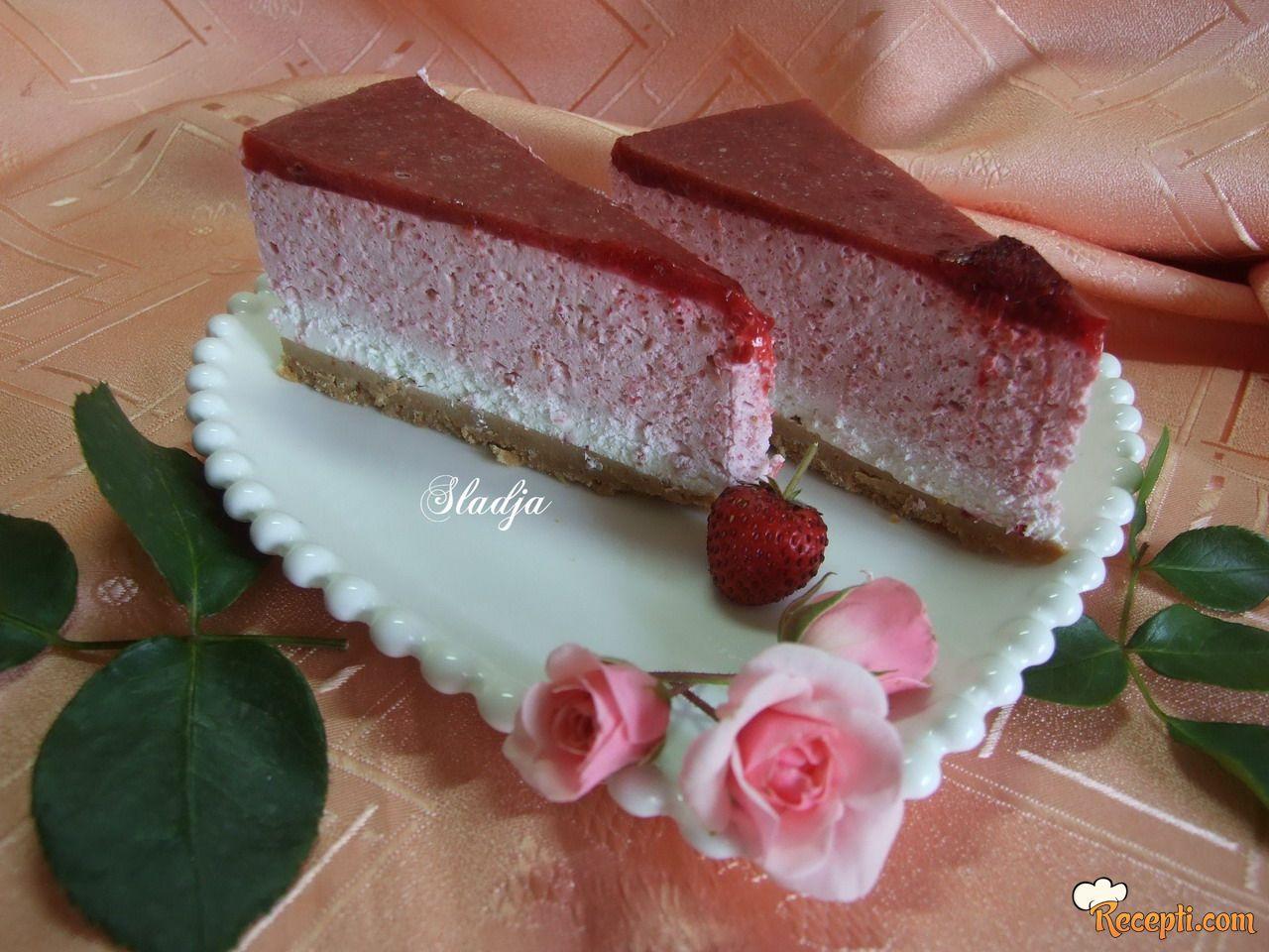Cheese cake sa jagodama i malinama