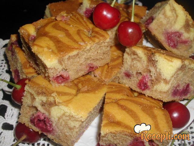 Mramorni kolač sa višnjama
