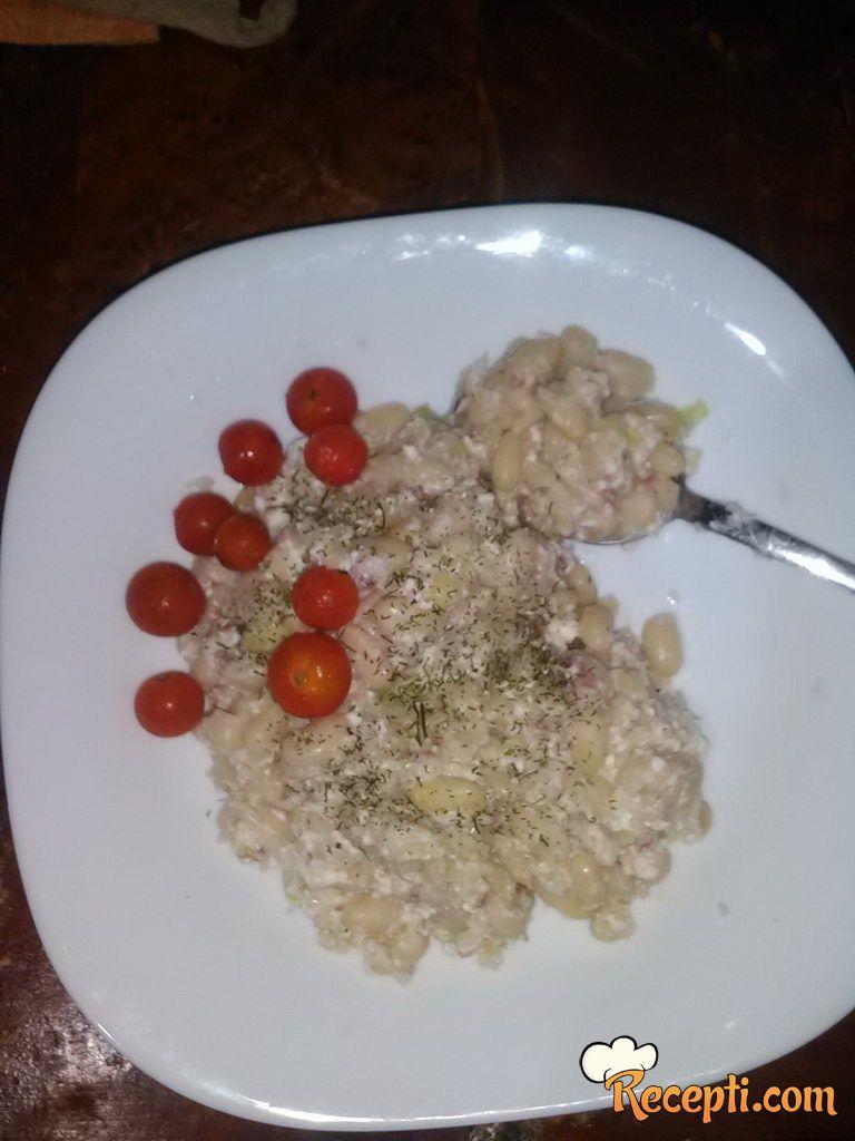 Salata od pasulja sa prazilukom