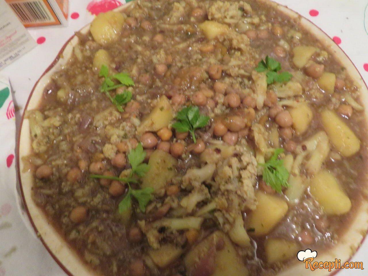 Krompir, leblebije i karfiol kari