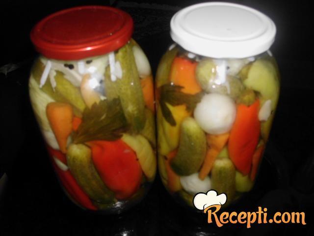 Mešana salata od povrća za zimu