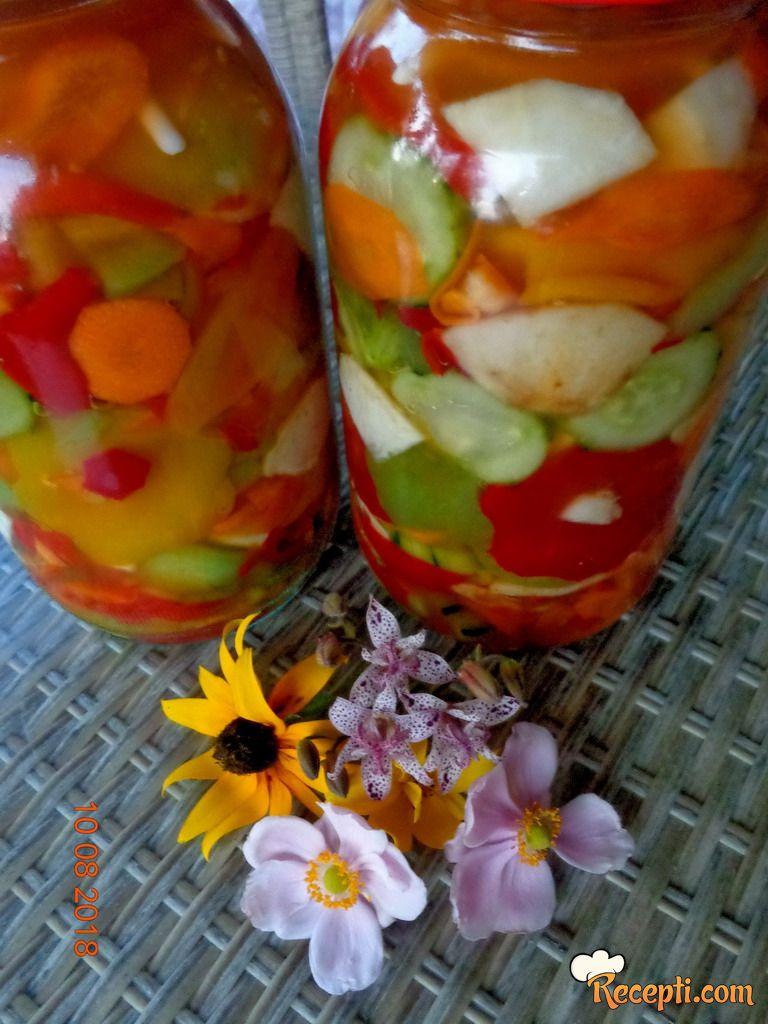 Cvetna zimska salata