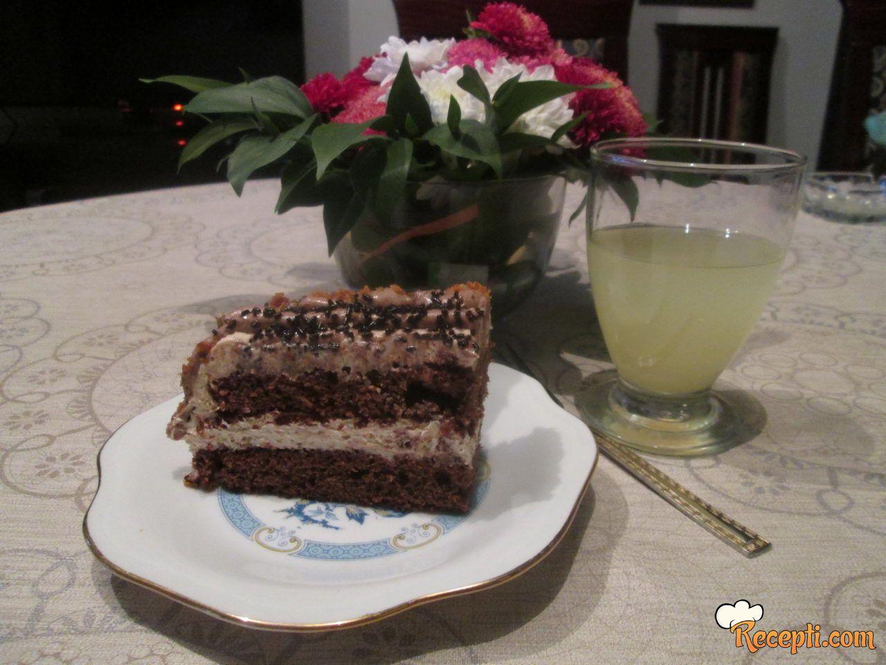 Sočna torta sa majonezom