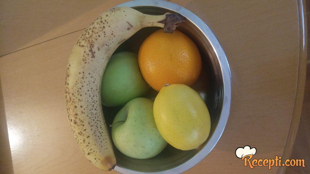 Zdrav voćni sok