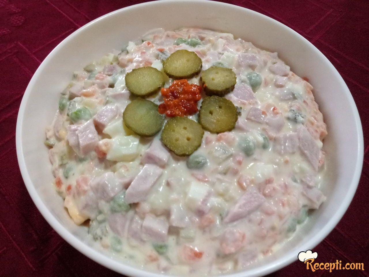 Ruska salata (20)