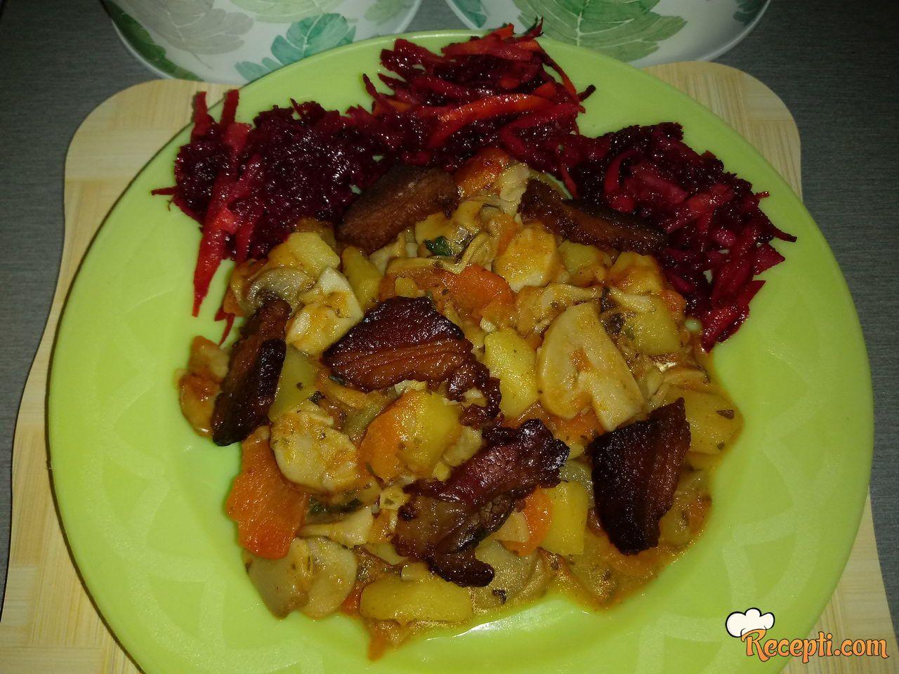 Šareni tanjirić od povrća
