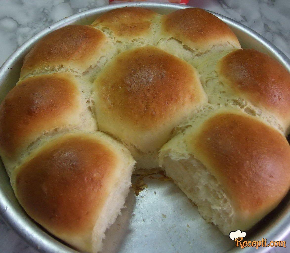 Domaći puter hleb
