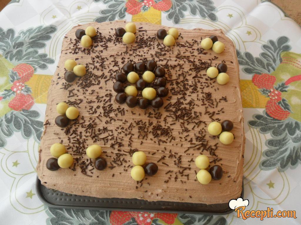 Sočna torta s orasima