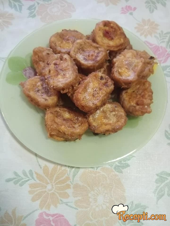 Pohovano rolovano pileće belo meso u oblatni
