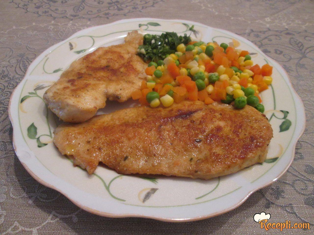 Marinirana piletina sa barenim povrćem
