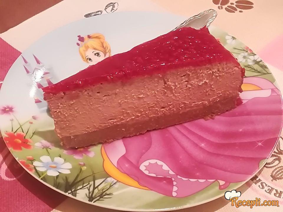 Čokoladna torta sa sirom i malinama
