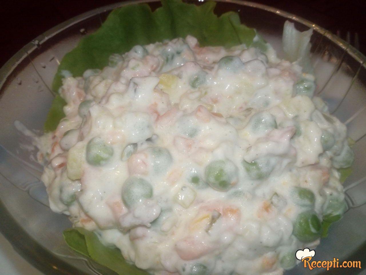 Posna ruska salata sa filetima soma
