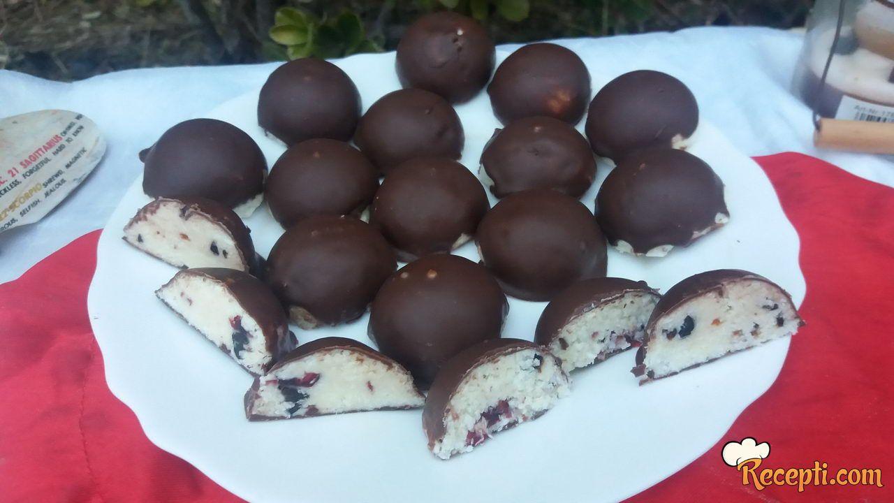 Kinder čokolada sa brusnicom