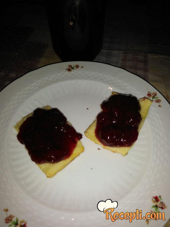 Džem od jagoda sa cimeton i zvezdastim anisom
