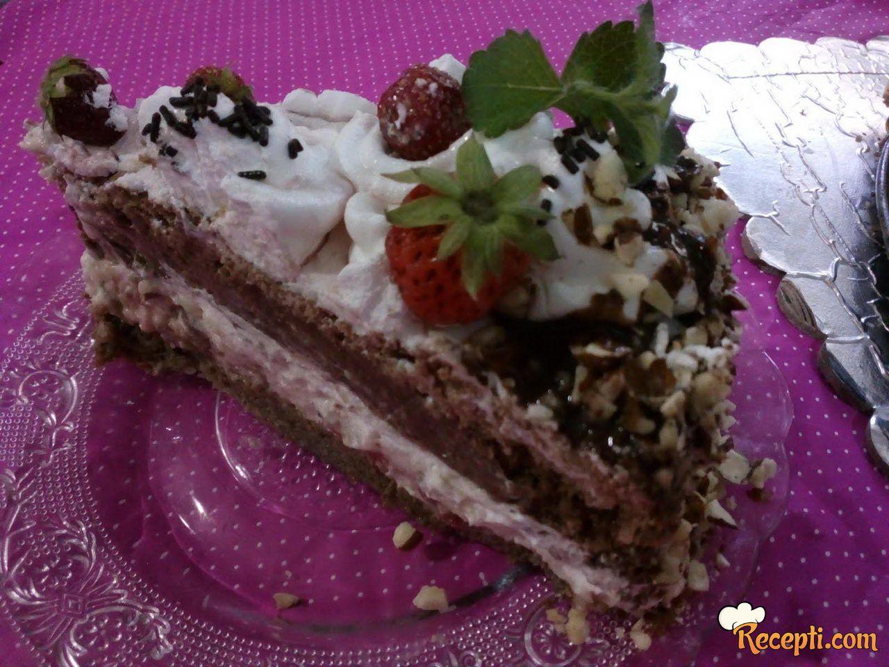 Voćna torta sa jagodama (3)