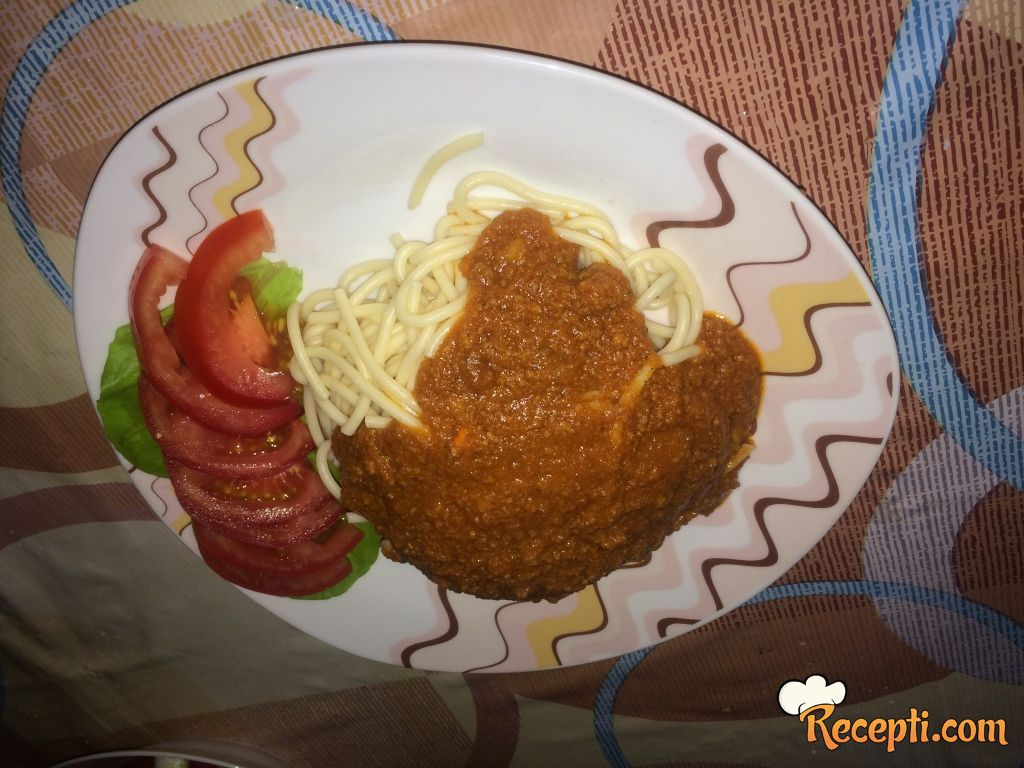 Špagete sa sosom
