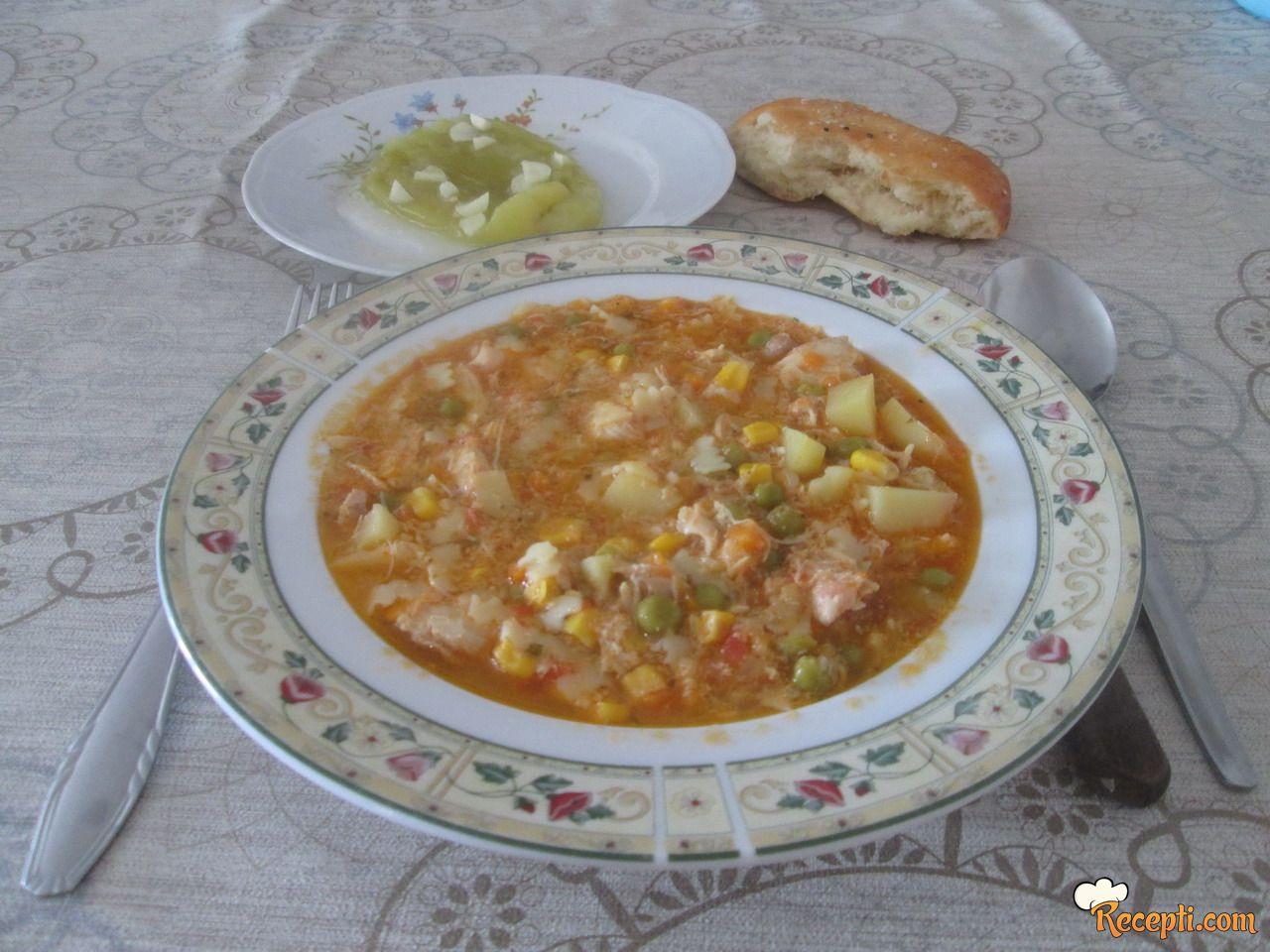 Čorba sa povrćem i piletinom