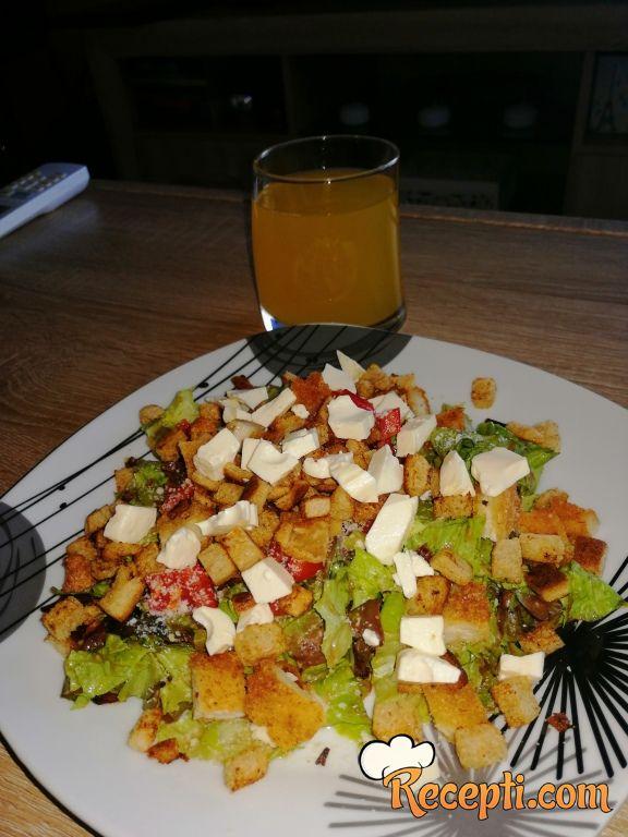 Salata sa aceto balsamicom
