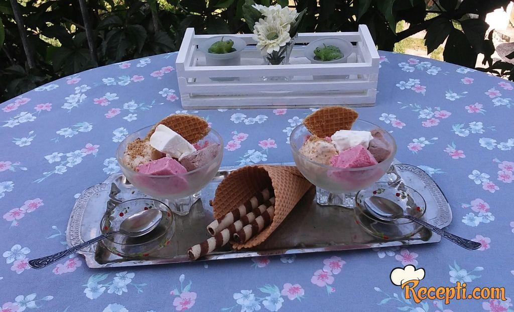 Sladoled od dva sastojka