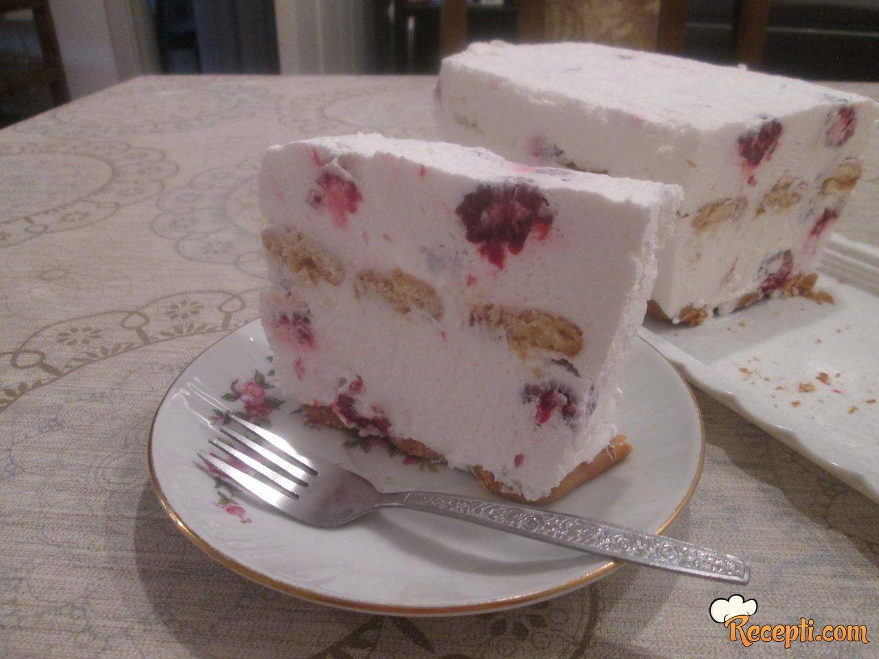 Voćna krem torta sa plazmom