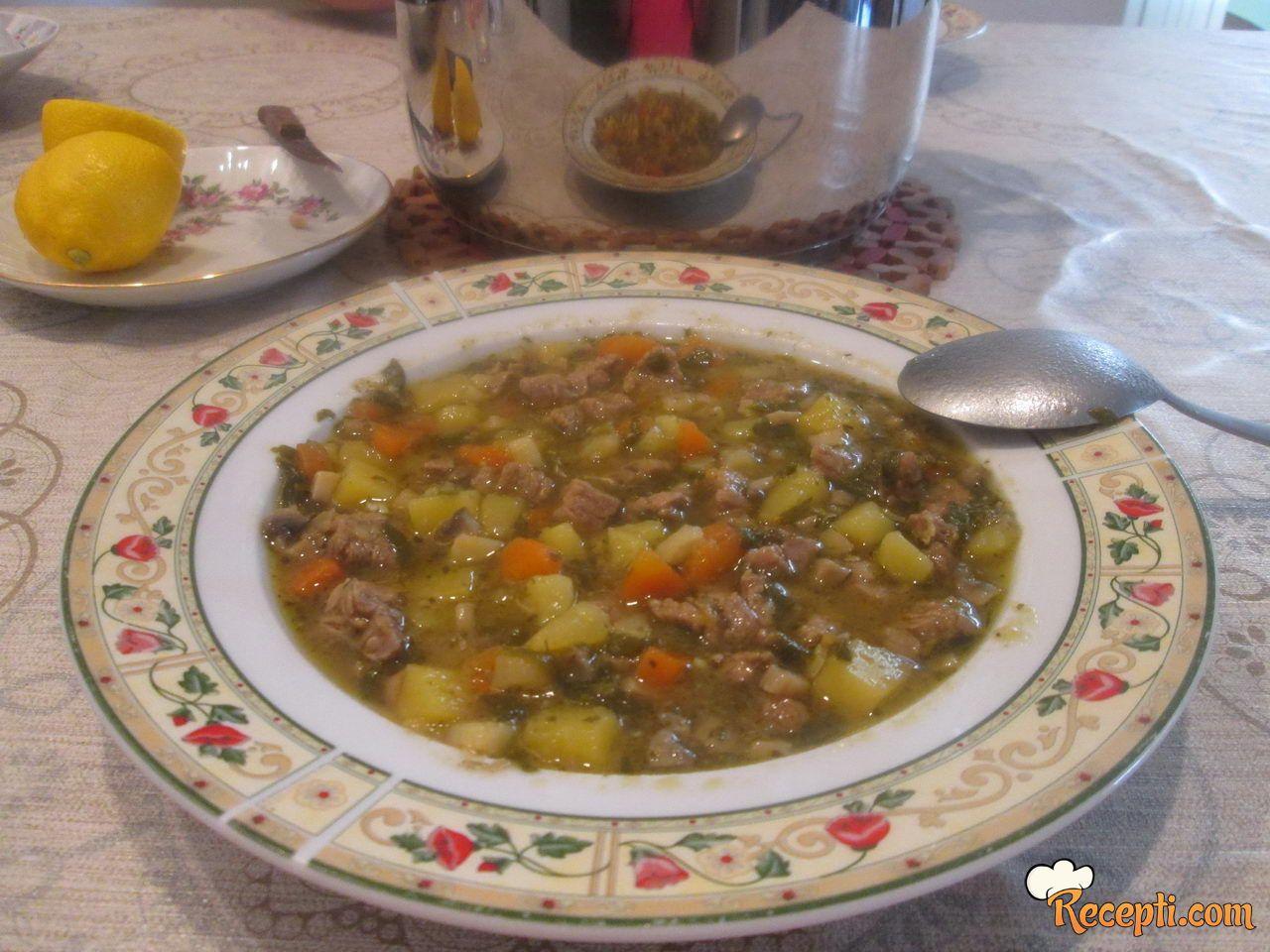 Juneća čorbica (2)