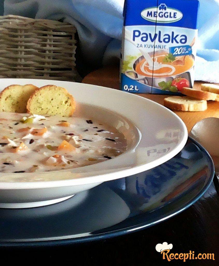 Pileća krem-supa s crvenim pirinčem