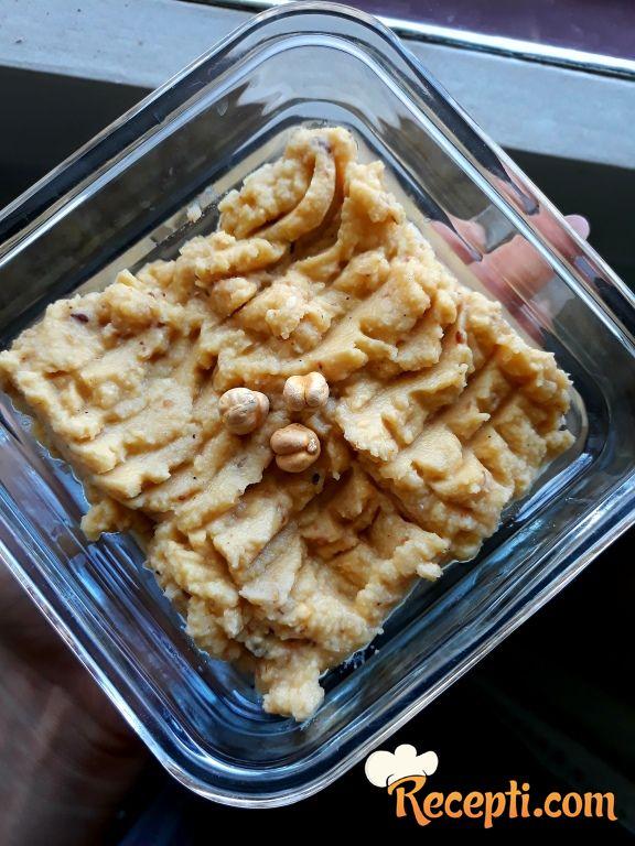 Domaći humus u 2 ukusa