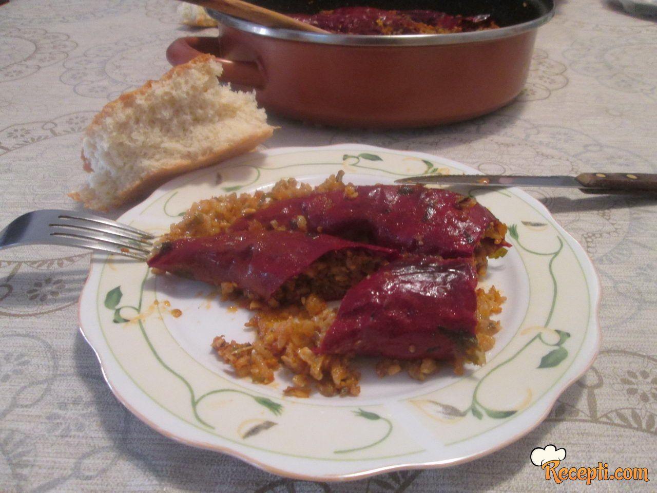 Punjena suva paprika sa semenkama